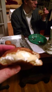 Paczki + frosting = deliciousness